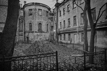 внутренний двор, 1990-2000-е гг. (фото: kutuzova24.ru)